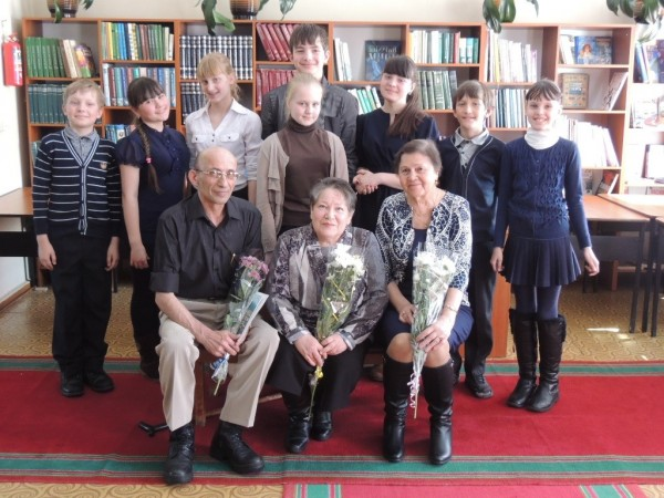 b_600_450_16777215_00_images_Children_library_Meet-with-poets_Встреча_с_поэтами_16.JPG