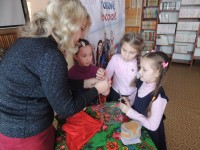b_200_150_16777215_00_images_Children_library_children-rainbow_Pro_Alechy_Про_Алешу_богатыря_34.JPG